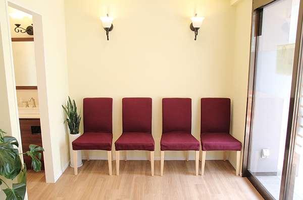 石神井公園 Shimizu Dental Clinic 待合室